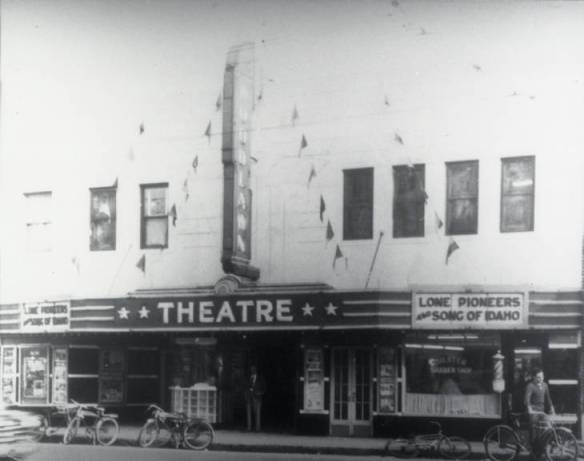 Woodlawn Theatre_1948